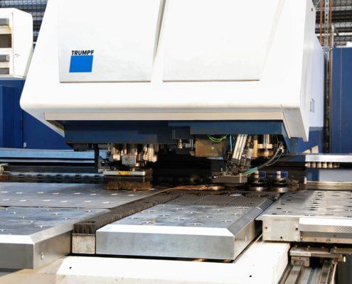 Laser (Maschine) in König Metall Werk